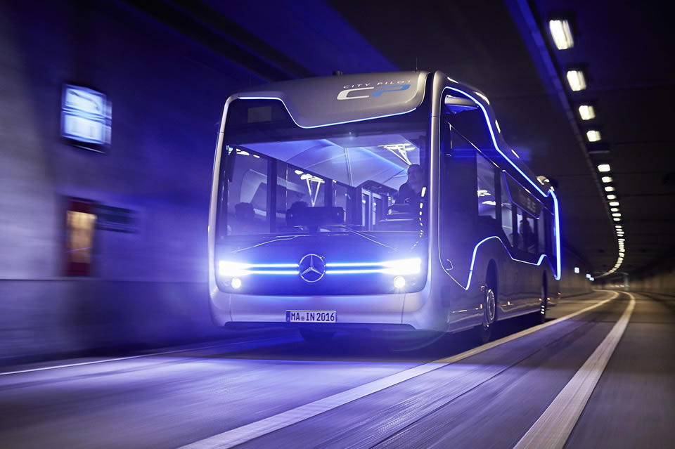 Mercedes Demonstrates Technological Prowess with Un-piloted 12-mile Bus Drive –